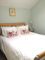 Curlew Barn en-suite bedroom
